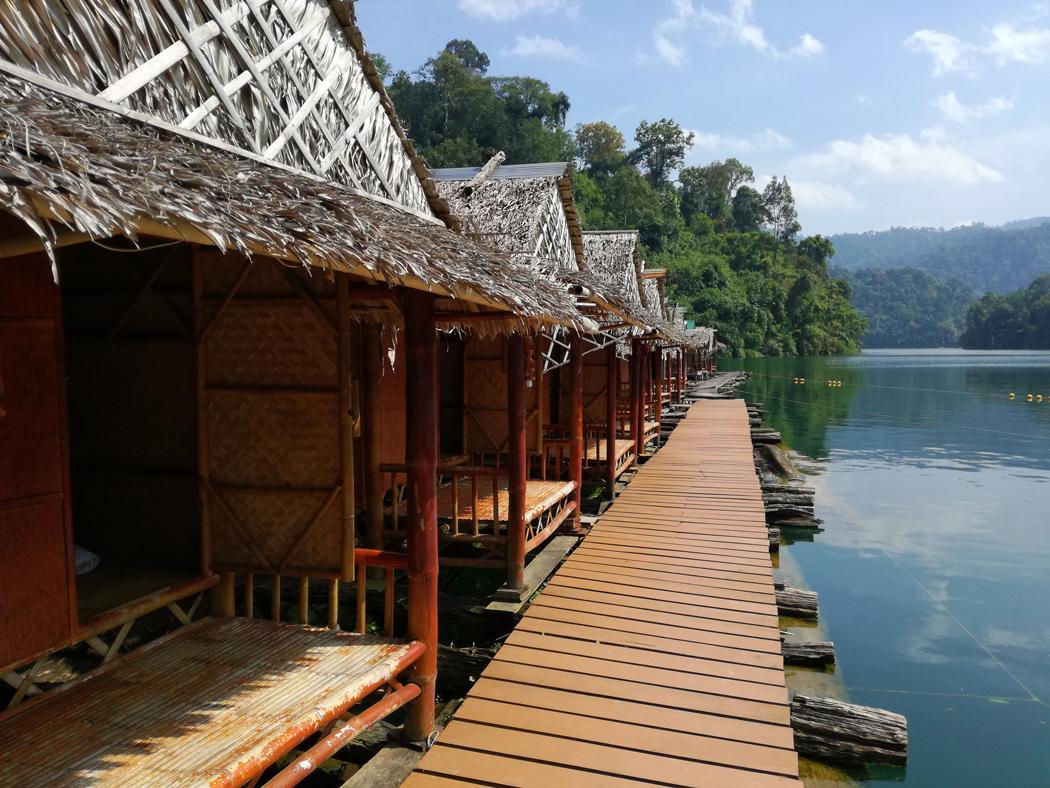 Drijvende huisjes Khao Sok
