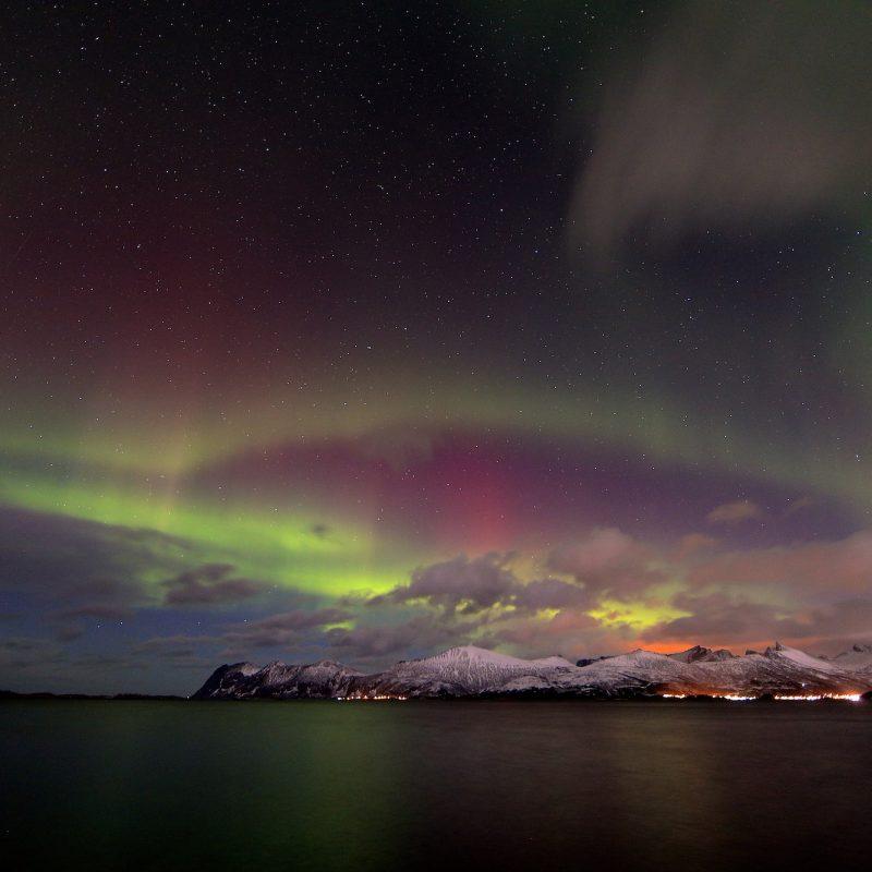 Noorderlicht boven water