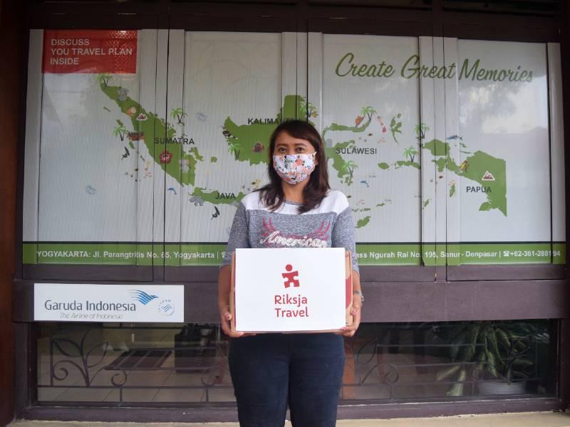 Kantoormedewerkster Etti Indonesie