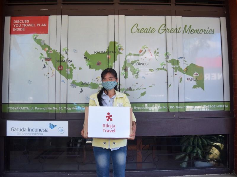 Indonesie kantoormedewerkster Isti