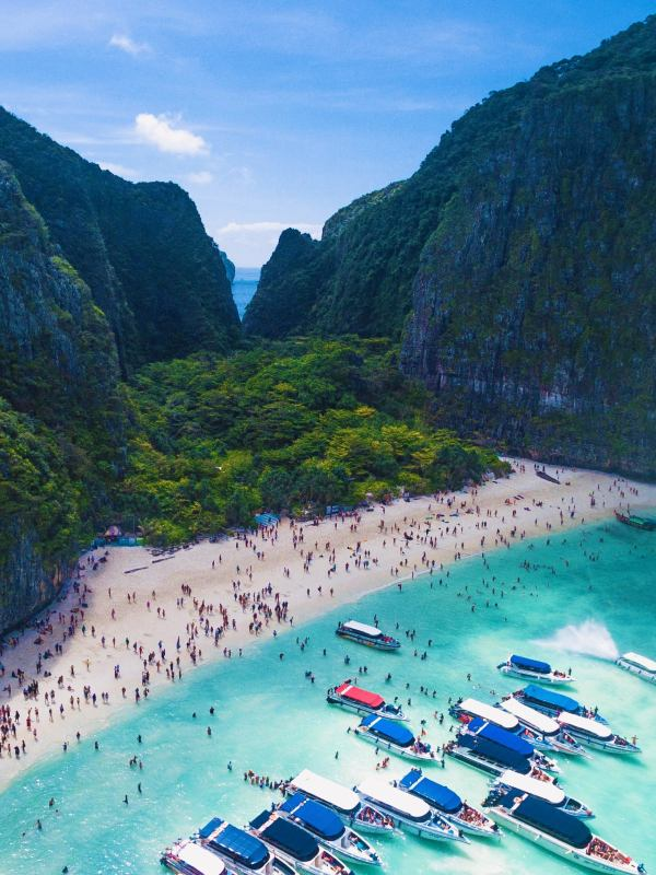 Maya Bay Ko Phi Phi Thailand