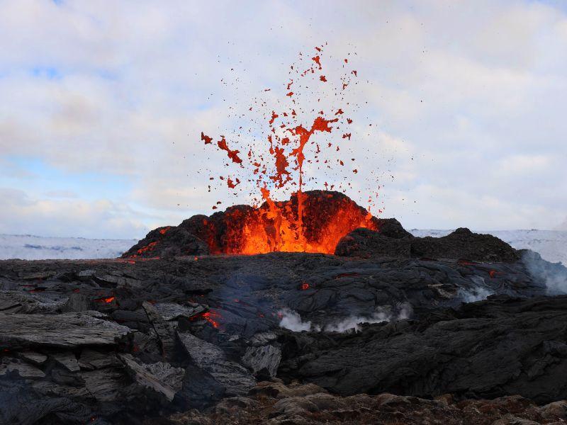 vulkaanuitbarsting IJsland   Riksja IJsland