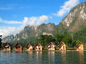 huisje op het meer thailand