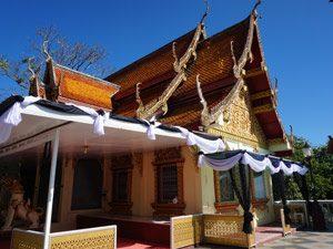 tempel-thailand-rouwlinten