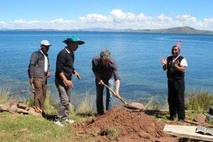 Indianen op Lake Titicaca