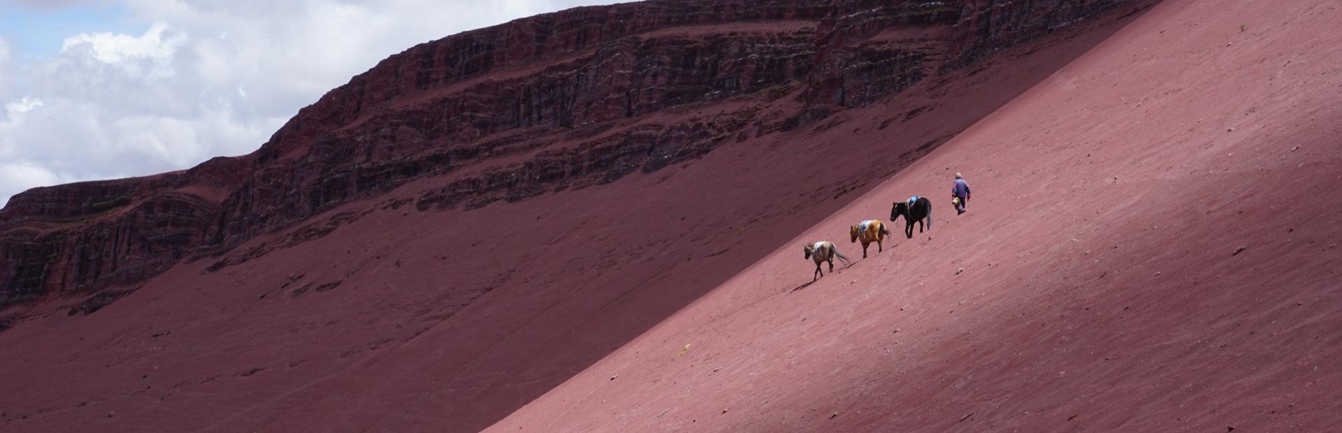 Peru-Rainbow-Mountain- Red Valley