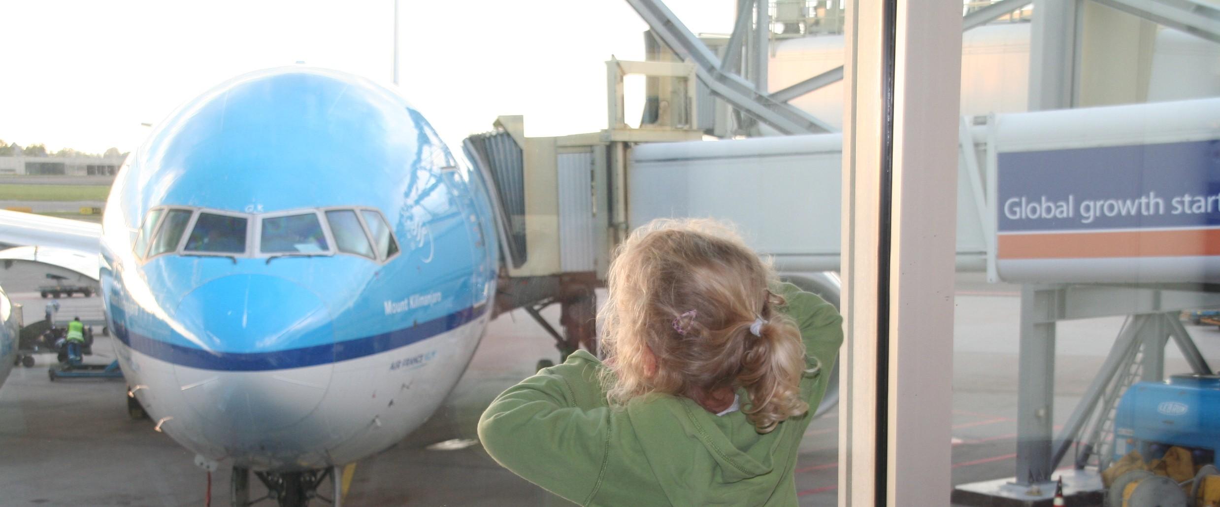 Vliegen met kinderen klm schiphol