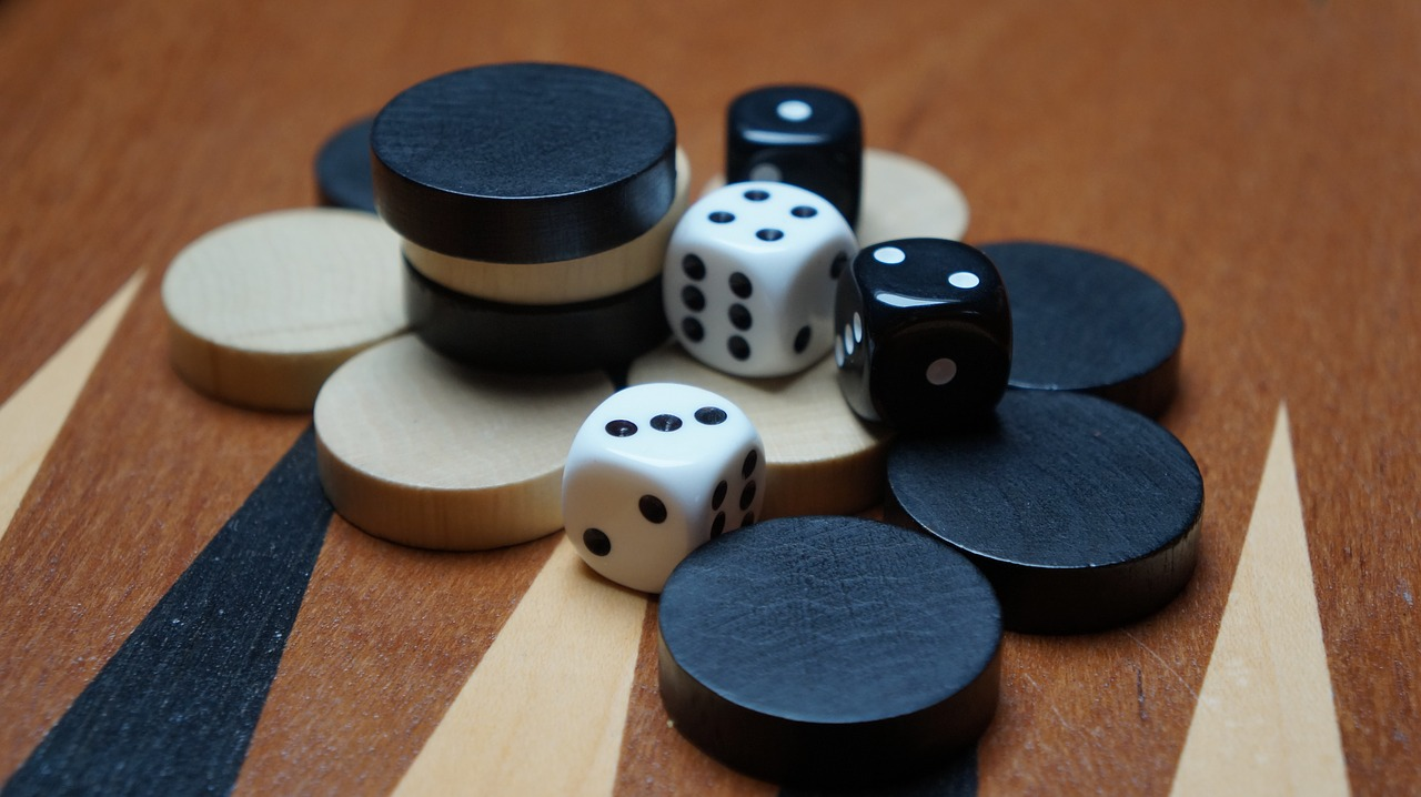 Spelletjes op reis -backgammon