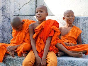 cambodja-monks-battambang